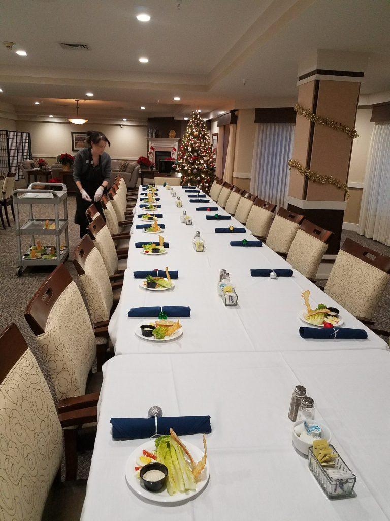 20171214 Christmas Dining Room | Middleton Glen Independent Living Retirement Community