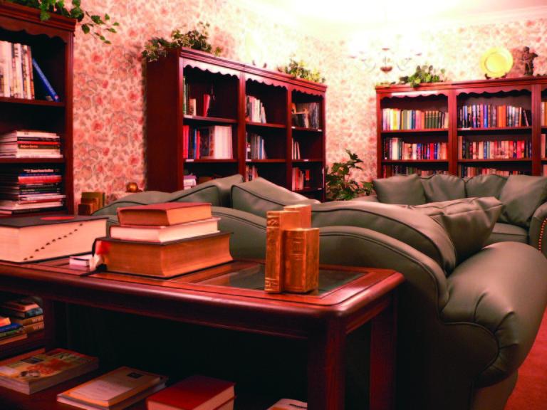 library 2 768x576 1 | Middleton Glen Independent Living Retirement Community
